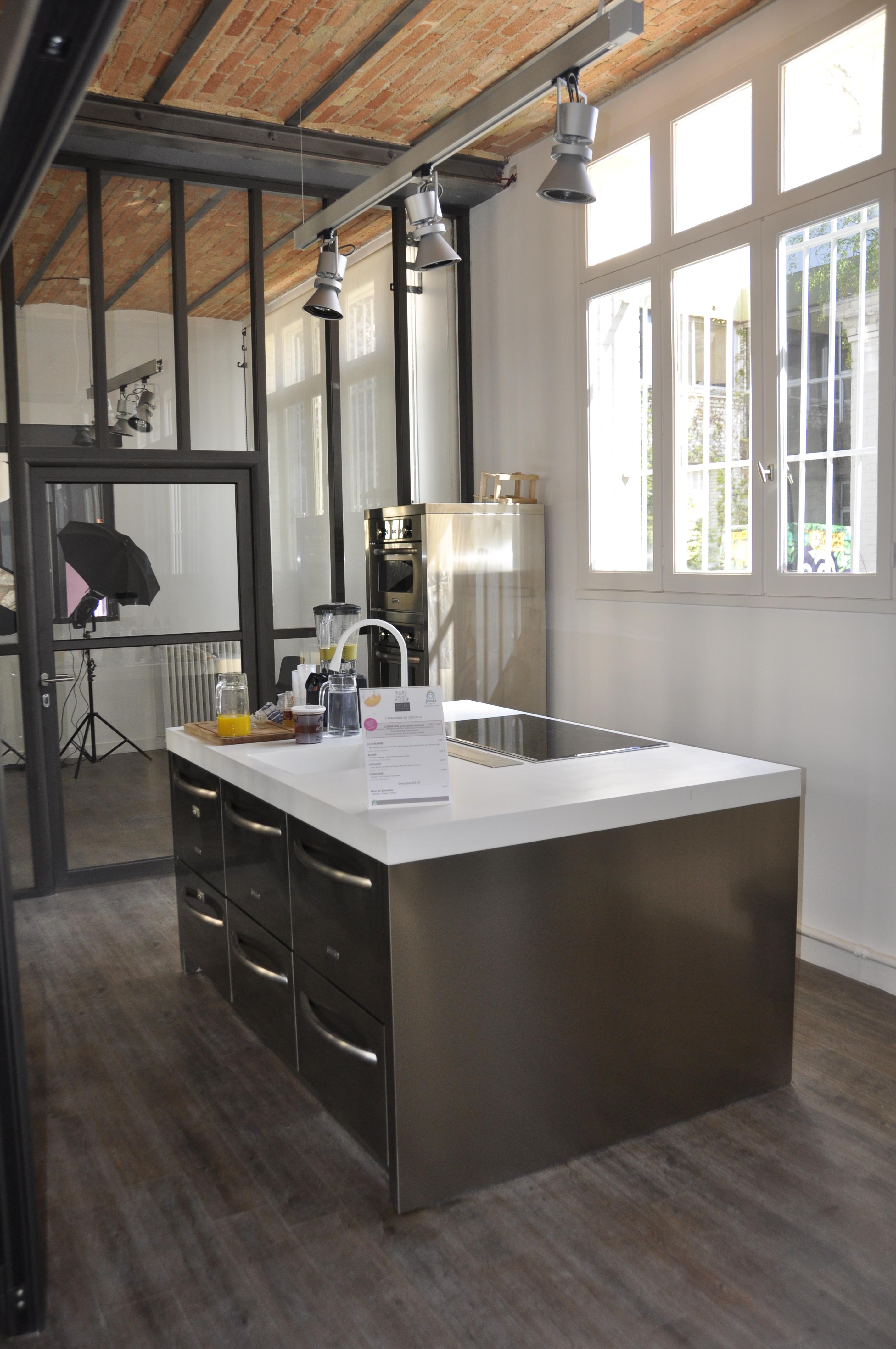 Cuisine studio fabulous le chambre studio lit escamotable for Meuble cuisine studio